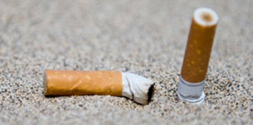 Mozzicone di Sigaretta in Spiaggia