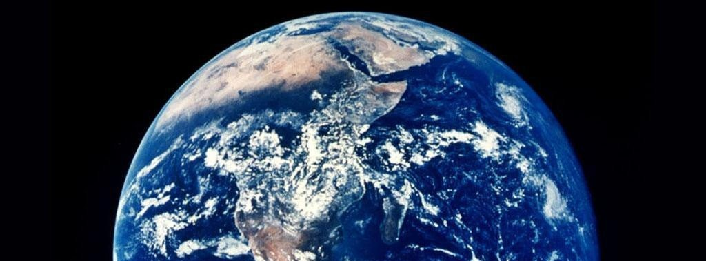 Earth from the moon - overshoot day 2015